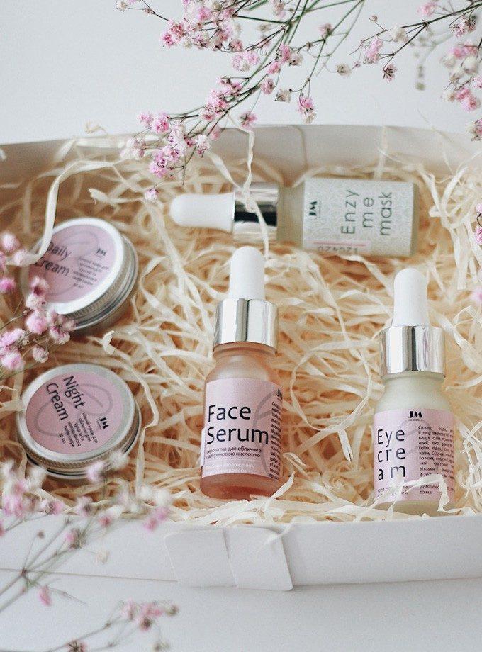 """Набір засобів для догляду за обличчям """"Facecare"""""""